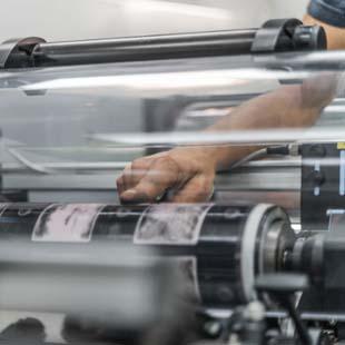 Buscando por uma automação industrial para suas máquinas? A Control-Plus te ajuda