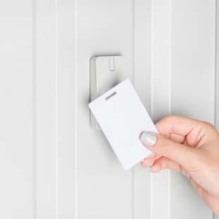 Adquira o controle de acesso por aproximação RFID com a Control-Plus